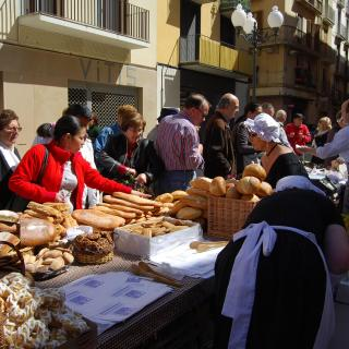 Mercat Noucentista , festes de Sant Isidre