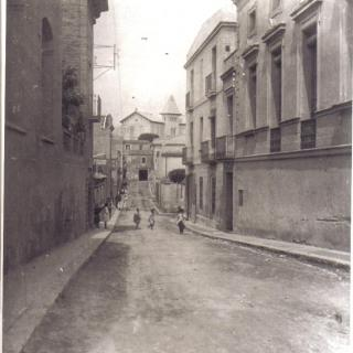 Fotografia de l'any 1940,abans carretera de Sant Adrià, actualment carrer Josep Anselm Clavé.