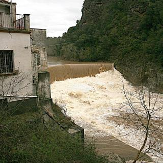 Esponella, presa riuades provocades per la pluja seguint el Fluvià