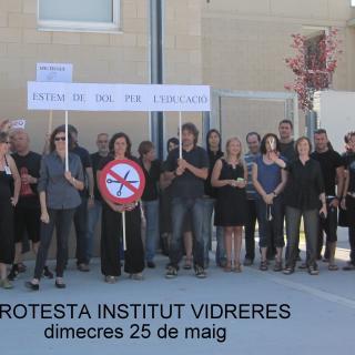 Acte de protesta del professorat de l'institut de Vidreres contra les retallades