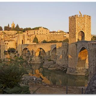 Pont Mecieval de Besalú, colors de Tardor