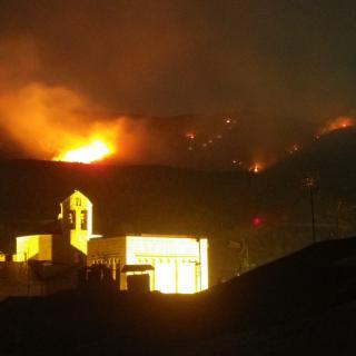 Foto d'ahir al vespres a la muntanya de Calvinyà amb la catedral de la Seu