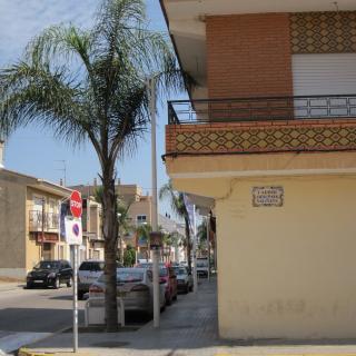 Indret on es troba situat el rètol del carrer País Valencià.