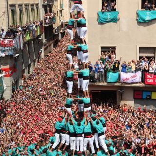 El primer 3de10 amb folre i manilles dels Castellers de Vilafranca