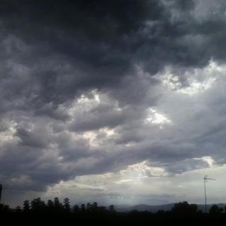 el cel ahir al capvespre  vist desde casa