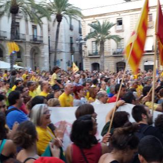 La plaça plena, cridava VOTAREM!!
