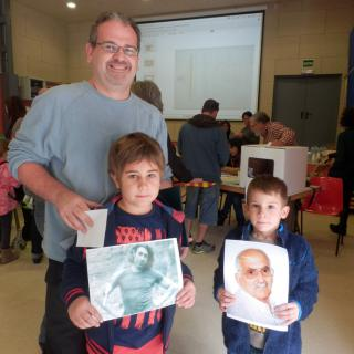 La Família Vilar i Díaz recordant a l'oncle adoptiu Joan i Mig i a l'avi Lluís Vilar i Subirana