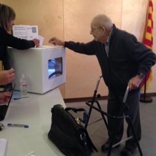 Joan Sargatal, de 95 anys, votant