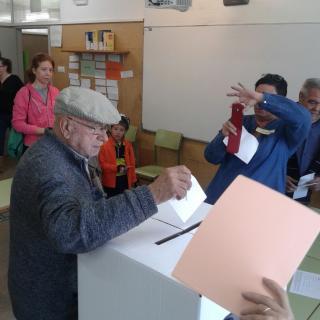 Josep Pla, un avi de 92 anys votant