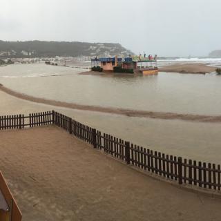 Passeig de l'Estartit inundat pel temporal de llevant