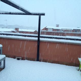 La neu cau amb força a Sant Sadurní d'Anoia