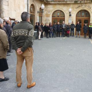 Concentració davant l'Ajuntament del Vendrell