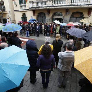 Minut de silenci a l'Ajuntament de Sant Joan Despí
