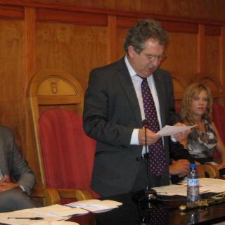 L'alcalde de Montblanc, Josep Andreu, prometent el càrrec
