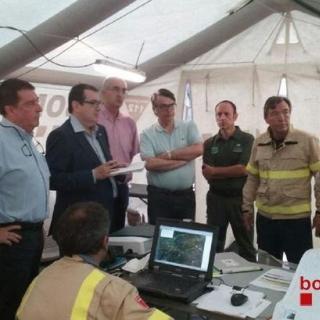 Reunió del conseller d'Interior, Jordi Jané, i responsables del control del incendi d'Òdena