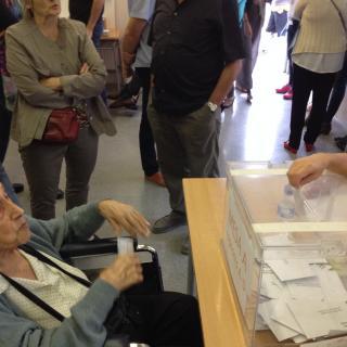 La meva mare, de cent anys, votant