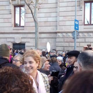 Al costat de la Pilar Rahola