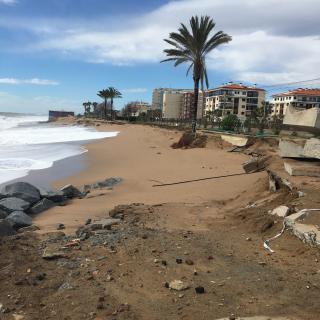 fotografía dels destrossos provocats pe'l temporal a pineda de Mar.