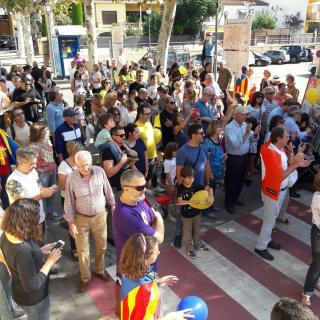 Marató per la Democràcia, davant de l'Ajuntament de Cabrils
