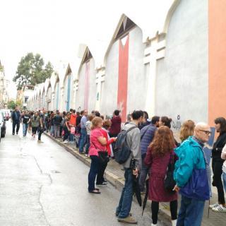 Cues infinites a molts colegis electorals de Badalona