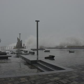 La força del mar a l'Escala