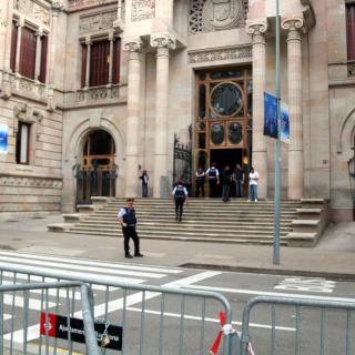 Tanques davant l'Audiència de Barcelona
