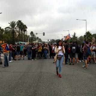 La Diagonal de Barcelona, tallada pels estudiants