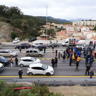 Una acció de Tsunami Democràtic talla l'Autopista a l'altura de la Jonquera en sentit sud i el Pertús a la banda nord el dilluns després de les eleccions generals