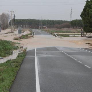 El riu Daró ha tallat la carretera GI-643, al Baix Empordà