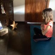 Classes de ioga amb nens, una bona opció per desestressar-los