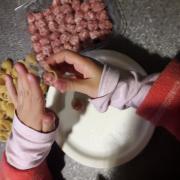 Ara que tenim temps, omplim de carn els galets. Queden boníssim, ho recomanem!