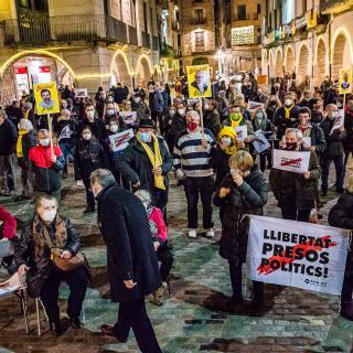 166a concentració consecutiva  Dilluns 14 de desembre Pl. Vi de Girona  Amb la intervenció del MHP Torra. Llibertat Presos Polítics