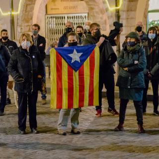 Ahir, va sortir la condemna de 4,5 anys de presó a Dani Gallardo   per haver-se manifestat donant suport al poble català. Avui en fem ressò, sortim al carrer a protestar