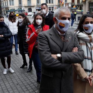 Carlos Carrizosa i Inés Arrimadas fan cua per votar a Barcelona