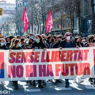 Manifestació unitària a Girona per reclamar la llibertat de Pablo Hasél, i també en defensa dels drets socials i el dret a l'autodeterminació
