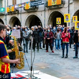 186PelsPresosACasa Seguim defensant tots els drets i exigint la llibertat immediata de tots els presos polítics i la fi de la repressió. Amb la intervenció de Guanyem Girona.