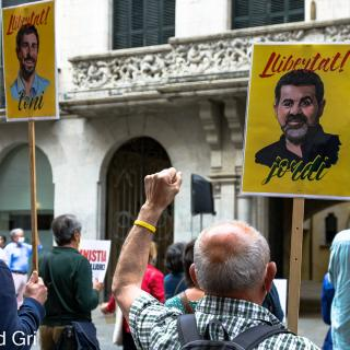 ACTE PRESENCIAL unitari dels dilluns per la llibertat dels presos polítics i el retorn en llibertat dels exiliats! 190a concentració consecutiva