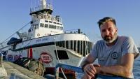 L''Open Arms' i el seu capità, Ricardo Gatti, aquest dijous al port de Nàpols