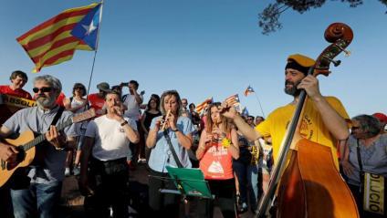 Un grup de músics a la concentració de Lledoners, aquest dimecres a la tarda