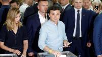 El president ucraïnès, Vladímir Zelenski, votant aquest diumenge a les legislatives