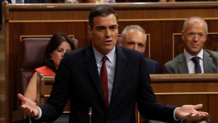 El líder del PSOE, Pedro Sánchez, durant una rèplica a Pablo Casado