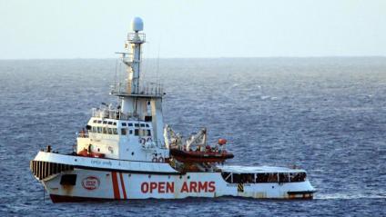 El vaixell humanitari 'Open Arms', a tocar de Lampedusa