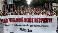 Capçalera de la manifestació, aquest dimarts a Gràcia