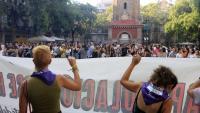 Vista de la concentració contra les agressions sexuals, aquest dijous a la plaça de la Vila de Gràcia