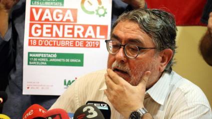 El secretari general d'Intersindical-CSC, Carles Sastre, a la presentació de la vaga general del 18-O