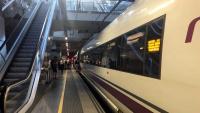 Imatge d'arxiu d'un tren aturat a l'estació de Girona