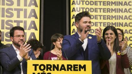 Gabriel Rufián (c) i Marta Vilalta (d), la passada nit electoral del 10-N