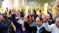 Participants a la Convenció Fundacional de Primàries Catalunya, durant una de les votacions aquest dissabte al Centre Cívic Pere Quart de Barcelona