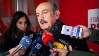 El diputat electe del PRC al Congrés, José María Mazón, en una atenció als mitjans aquest dissabte a Oviedo després de reunir-se amb Lastra