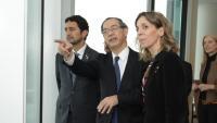 La consellera Àngels Chacón (3a per l'esquerra), amb directius de Nissan a Yokohama